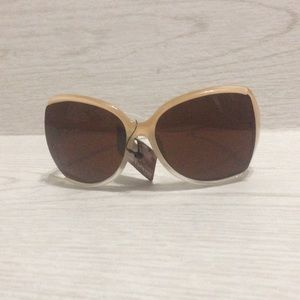 Ladies sun glasses